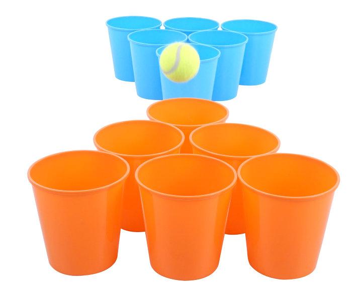 Pong spill med spann og tennisball