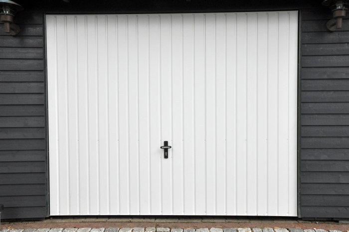 Jyde stålvippeport 238 x 199 cm hvid