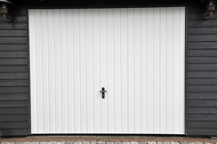 Jyde stålvippeport 238 x 209 cm hvid