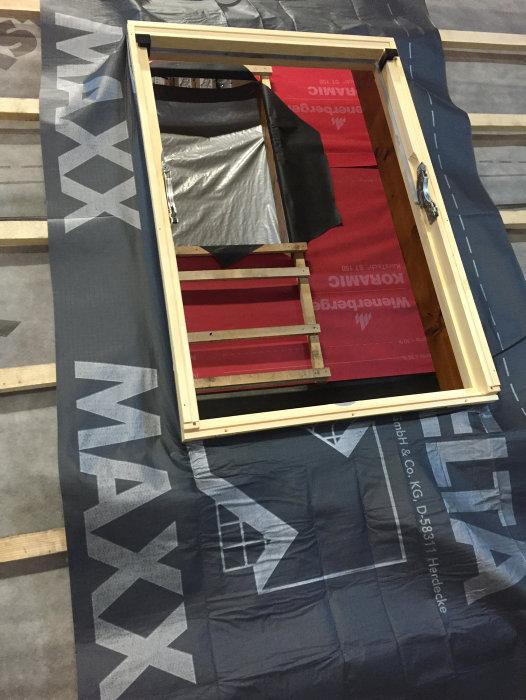 Folie til montering af tagvinduer 55 x 72 cm