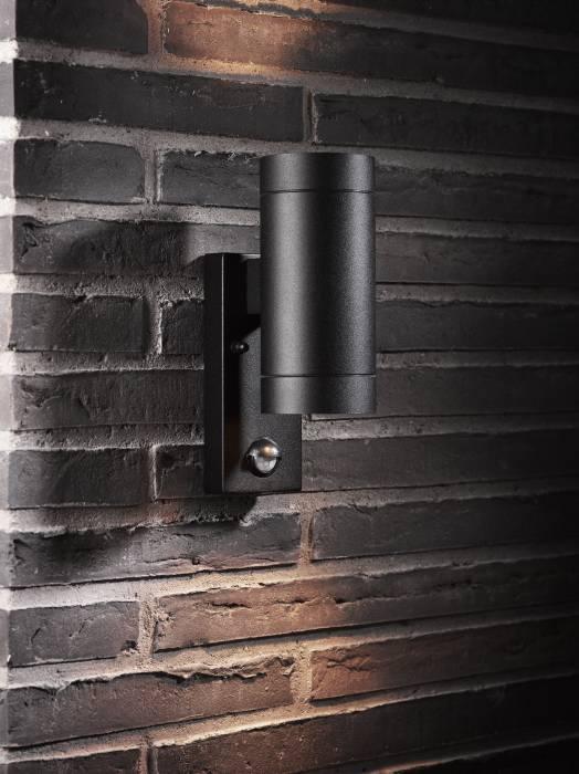 Nordlux Tin Maxi v u00e6glampe i sort med sensor jem& fix